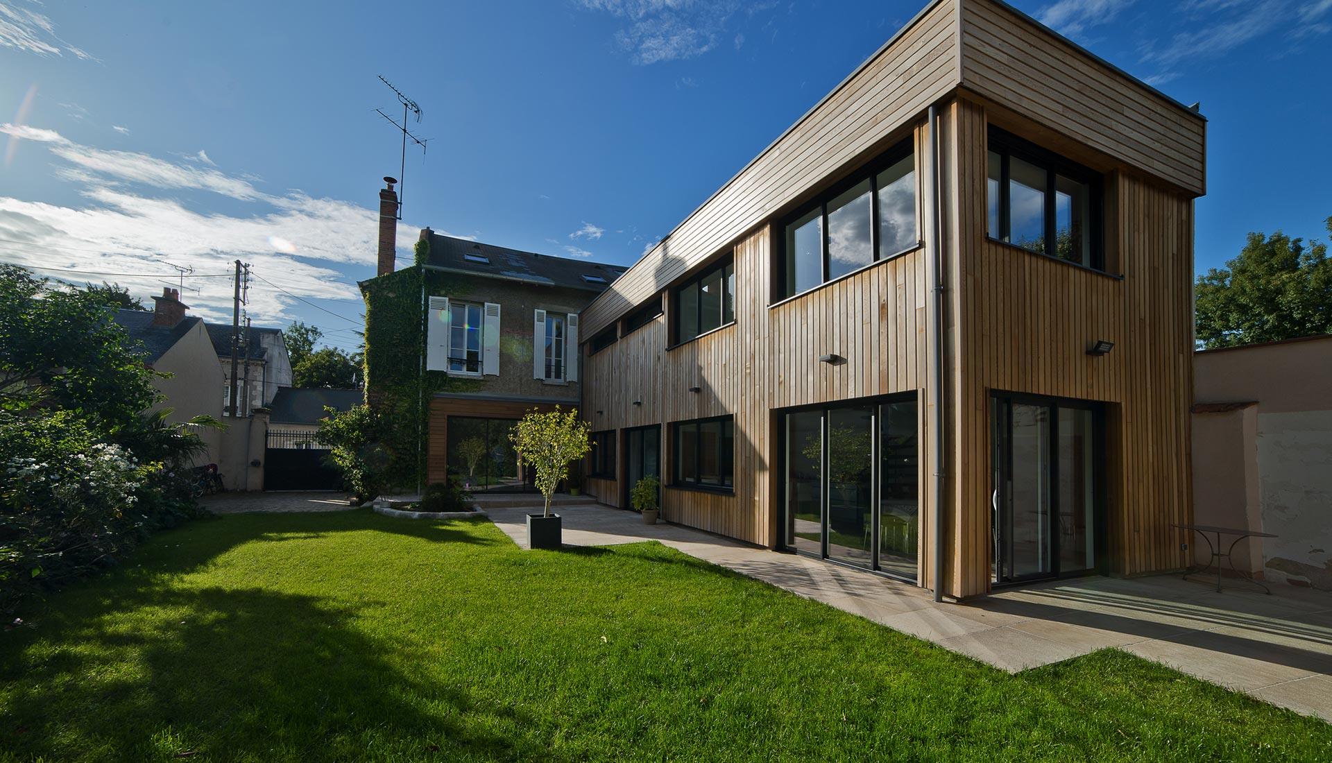 Extension, toiture bois & terrasse végétalisée